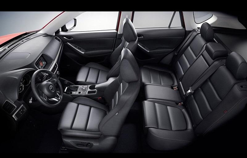 Hệ thống ghế ngồi trong xe được bảo vệ bằng lớp da bọc cao cấp