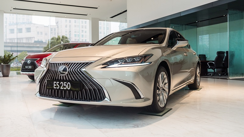 Lexus ES – Executive Sedan