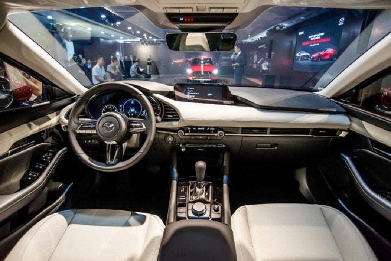 Mazda 3 sở hữu hệ thống tiện nghi cao cấp vượt trội