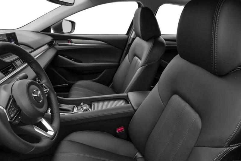 Nội thất xe Mazda 6 cũng được đánh giá rất cao khi sở hữu nhiều điểm cộng ấn tượng