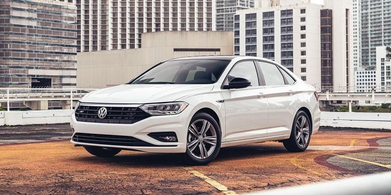 Volkswagen Jetta mang đường nét trung hòa nhưng không kém phần quyến rũ