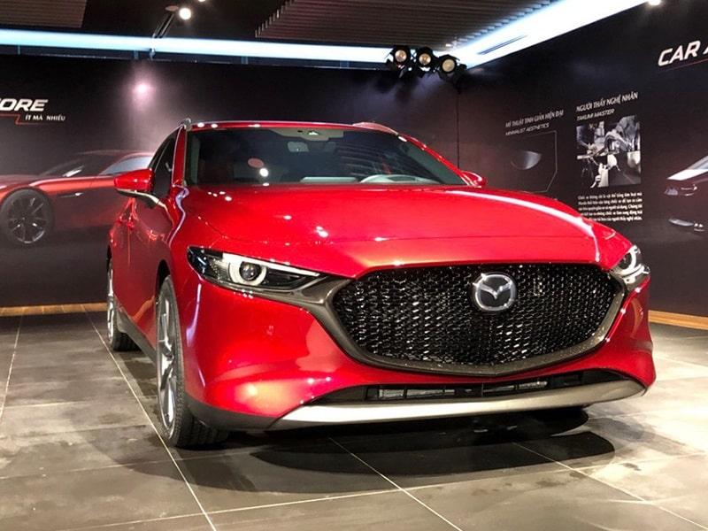Xe Mazda 3 màu đỏ toát lên vẻ đẹp quyến rũ, thu hút