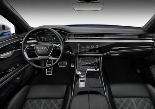 Dòng xe Sedan hạng sang cỡ lớn của nhà Audi sở hữu nội thất sang trọng, đẳng cấp với đầy đủ tiện nghi