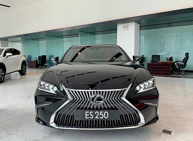 Lexus ES250 mang lại nhiều nét đẹp