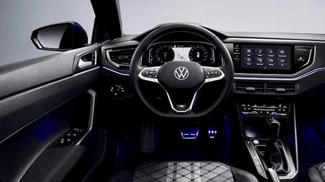 Khoang lái thiết kế khoa học giúp người lái dễ dàng điều khiển